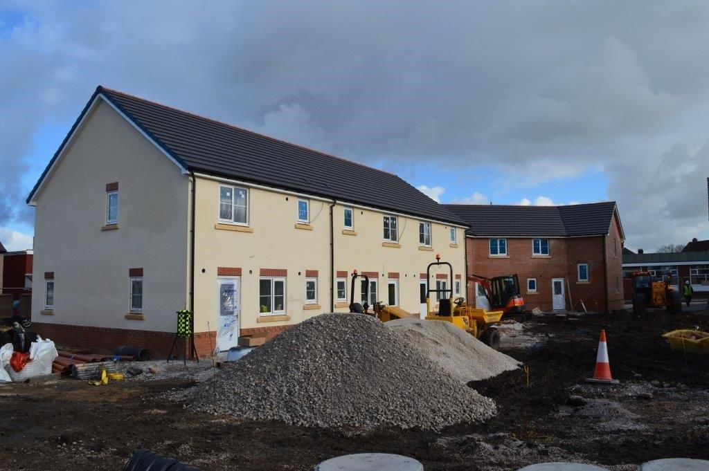Mancot flintshire gets new build homes m e contract for Contract to build a house